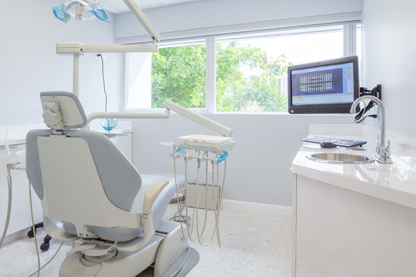Dental Office Aventura FL